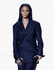 celebrity-beauty-slick-hair-rihanna